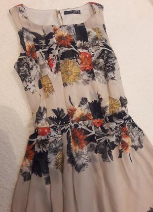 Очень красивое платье в цветы / дуже гарне плаття в квіти2 фото