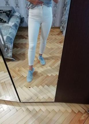 Белые джинсы скини river island
