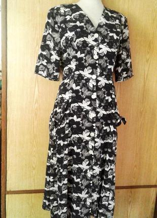 Шелковистое струящееся платье - халат,l- xl.