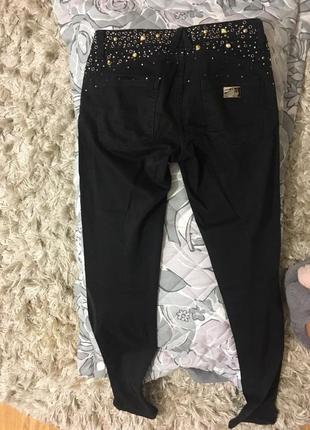 Чёрные джинсы justor