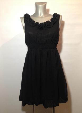 Милое черное платье с розочками