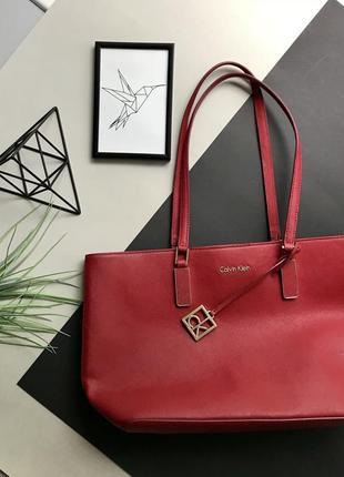 Оригинальная кожаная красная сумка calvin klein / келвин кляйн