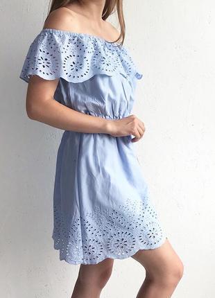 Нежное платье с перфорацией хлопковое платье