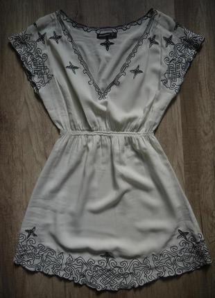 Короткое платье  с узором от atmosphere