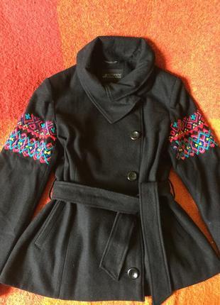 Вышиваное пальто - «теплая вышиванка»,ручная работа,шерсть!