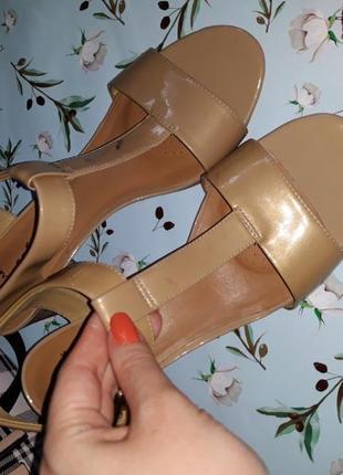 Босоножки на каблуке clarks, 39 размер