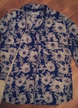 Трендовая блуза в пижамном стиле