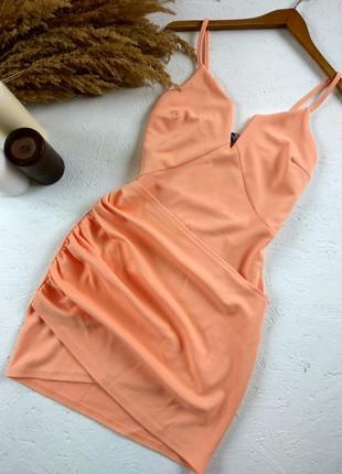 Фактурное платье на бретельках с имитацией запахом от boohoo