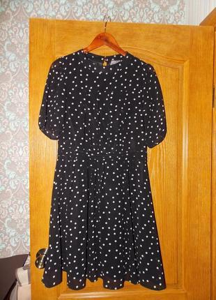 Летнее шифоновое платье в горошек