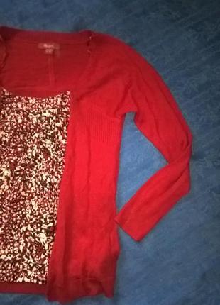 Красный свитерок с блузой