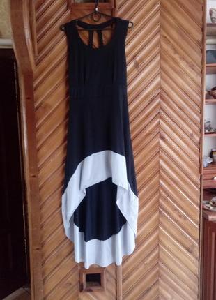 Трендовое платье миди асиметрия
