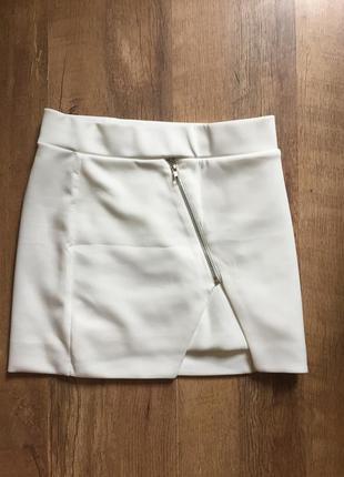 Классная короткая женская юбка летняя белая с разрезом размер xs,s