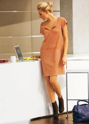 Платье прямого кроя из эко замши