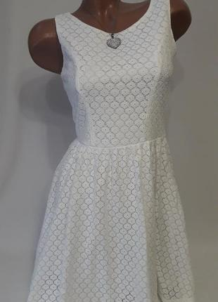 Романтичное белое платье