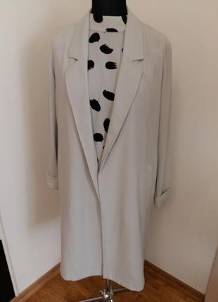 Легкое пальто-кардиган без подкладки, сбоку разрезы