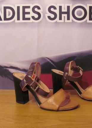 Распродажа! босоножки (польша) стильные летние босоножки на толстом устойчивом каблуке