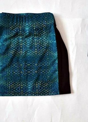 Трикотажная мини юбка по фигуре
