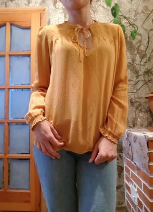 Модная блуза горчичного цвета