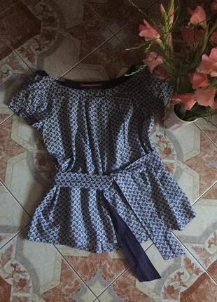 Стильная блуза с коротким рукавом