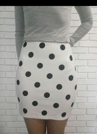 Модная юбка в горох bershka