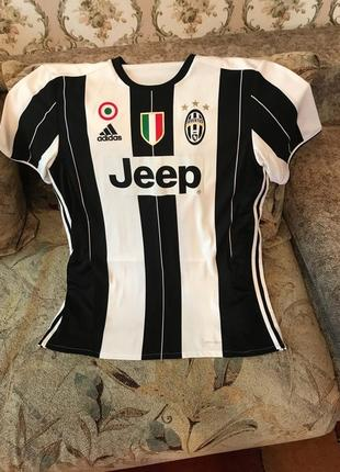 Продам оригинальную футболку , футбольного клуба ювентус
