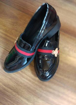 Туфли гуччи с мухой