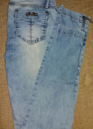 Легкие, фирменные летние джинсики. италия.