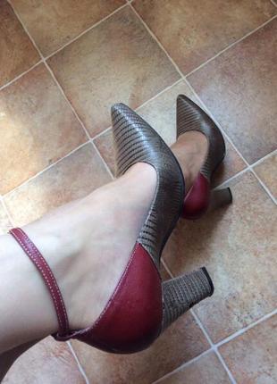 Туфли лодочки на высоком каблуке от egle