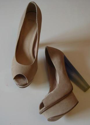 Продам новые фирменные туфли asos