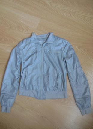 Легкая модная куртка