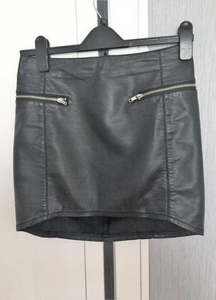 Фирменная  кожаная юбка из качественного кожзама2