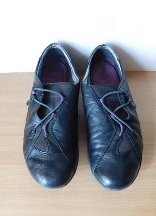 Туфли clarks 38 р.стелька 25 см. кожа.
