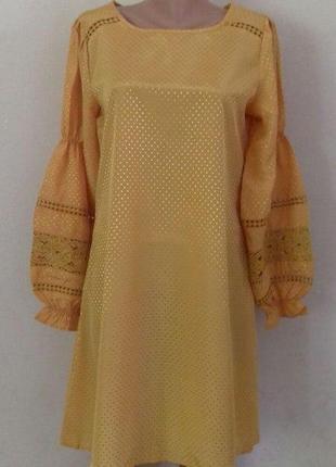 Легкое новое платье с вышивкой