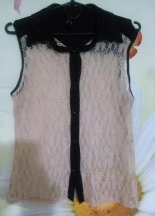 Блуза из очень мягкого гипюра.