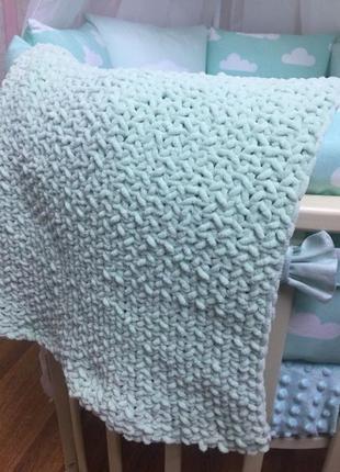 Вязаный детский плюшевый плед на выписку в коляску,в кроватку ручная работа