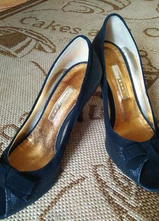 Туфли черные с блесткой
