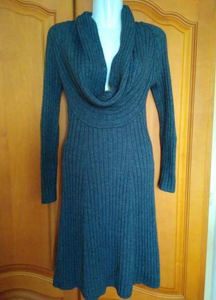 Платье с хомутом вязаное зимнее