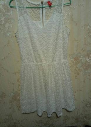 Белое платье,божий одуван.придаст легкость и воздушность любой!