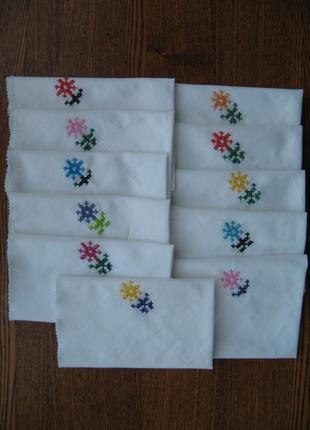 Салфетки из простого полотна с ручной вышивкой, 10 штук.