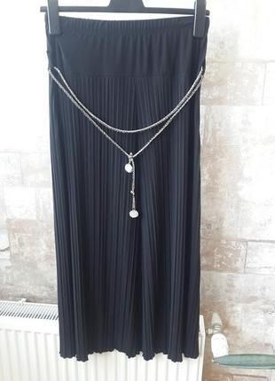 Нарядная черная юбка с пояском