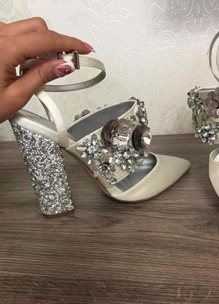 Туфли лодочки босоножки свадебные на толстом каблуке стильные туфлі asos