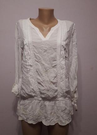 Блуза белая с вышивкой yessica