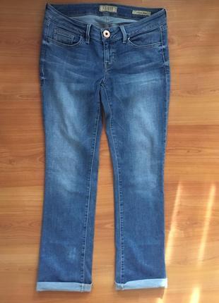 Светлые  джинсы guess  оригинал !