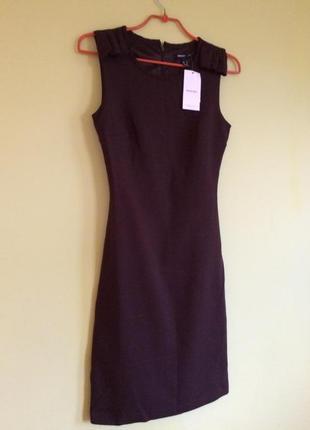 Красивое платье-футляр mango. s. xs. новое.