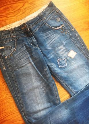 Стильные джинсы george с нашивками, модель 2018 года