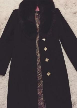 Зимнее пальто классического кроя