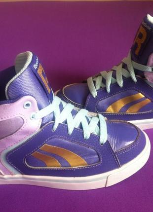 Мега стильные демисезонные кроссовки reebok размер 31 стелька 19,5-20 см  оригинал !