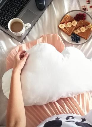 Подушка в форме облака