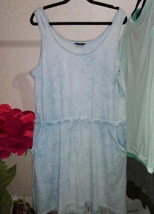 Легкое платье сарафан фирмы f&f с завязками на талии с боковыми кармашками