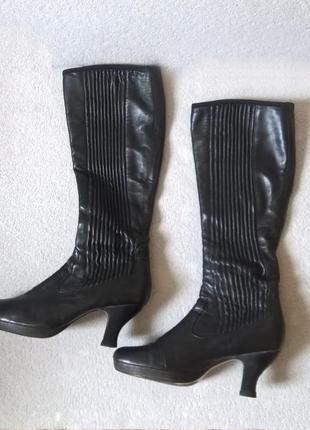 Демисезонные кожаные сапоги clarks uk5,5. р 37-38. 24-25см.